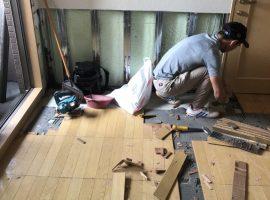 ライファ今治:マンションの水漏れ調査、補修からの室内床のフロア張替えリフォーム!!