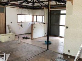 ライファ今治:キッチンリフォーム、間取り変更工事スタートしました。大まかな解体は終わりました。