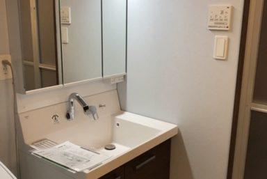 ライファ今治:洗面化粧台LIXIL「ピアラ」に交換。キレイとラクと楽しさを究めたベーシックドレッサー。