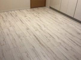 ライファ今治:マンション直貼り防音床材の貼り替え工事。
