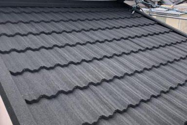 ライファ今治:スレート屋根にカバー工法を行います。LIXIL「T-ROOF」